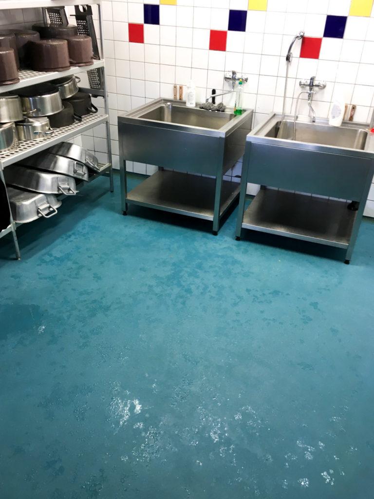 Polyuretan-cementová podlaha do jídelních provozů.